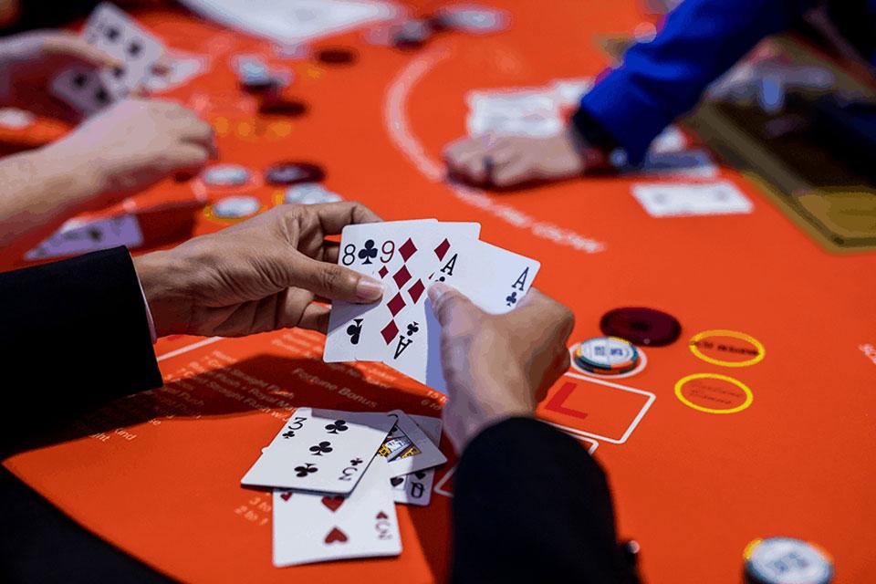 온라인 카지노 에서 포커 플레이