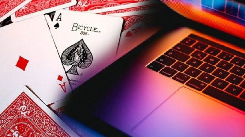 논리 또는 직관: 어떤 온라인 포커 게임이 최고입니까?